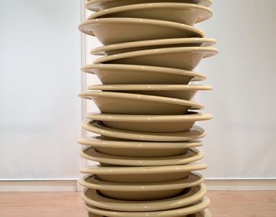 Robert Therrien, No Title (Stacked Plates)