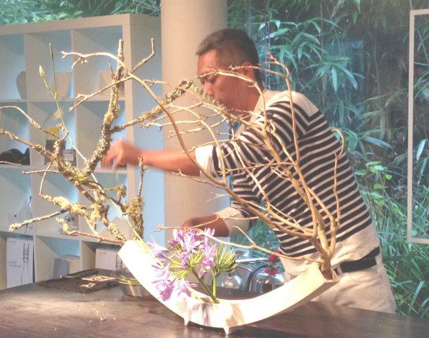 Ikebana class at Newyn Art Gallery